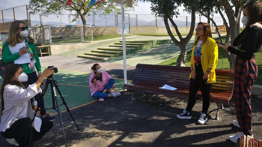 Grabación de los alumnos de comunicación Audiovisual de la UMH con los alumnos del colegio Secanet de la Vila