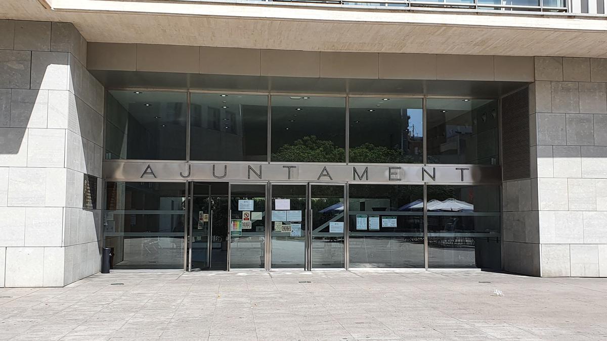 Puerta de entrada al Ayuntamiento de San Vicente del Raspeig