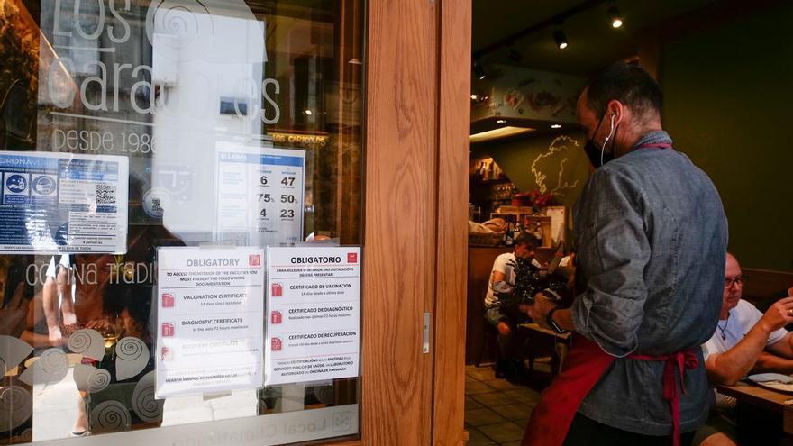 La Justicia deniega el uso del certificado covid en los bares de Galicia