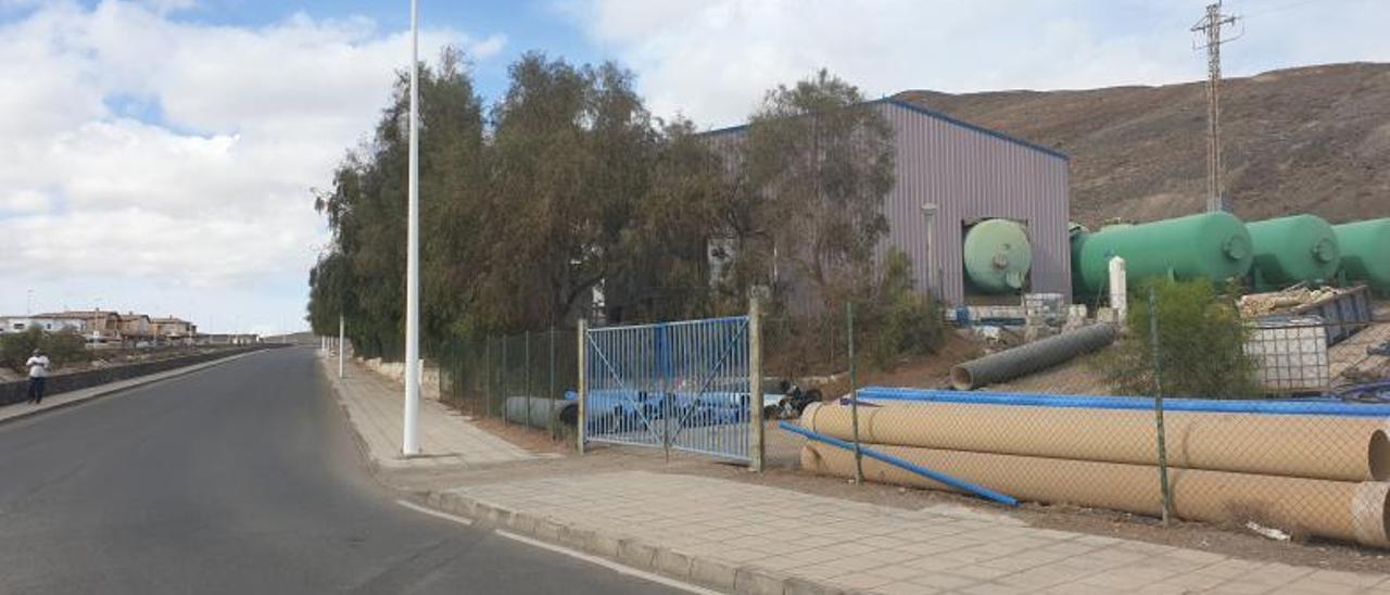 Imagen de la  Planta Desaladora de agua de mar de Gran Tarajal, ubicada en la zona de El Aceitún.  | | FUSELLI