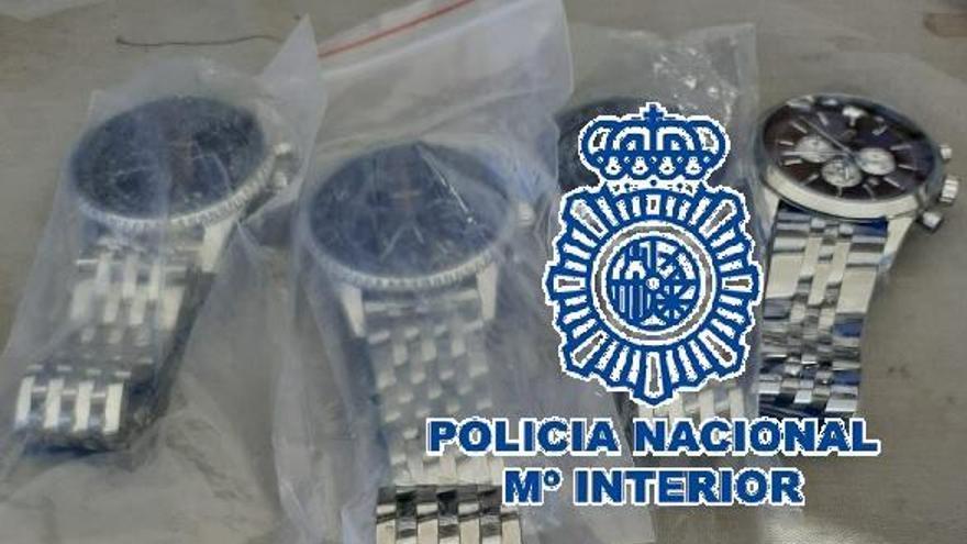 Intervienen 326 falsificaciones de relojes en un mercadillo de Estepona
