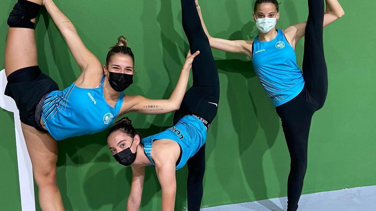 Las tres gimnastas del Rítmica Benavente