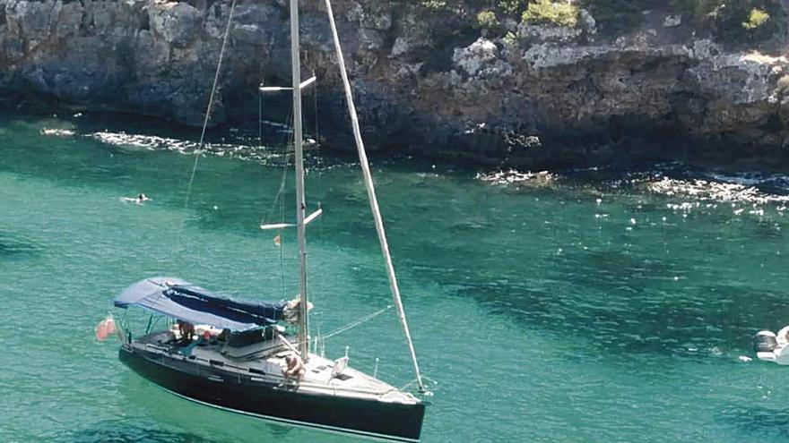 Lanchas y veleros, los favoritos para navegar por Mallorca