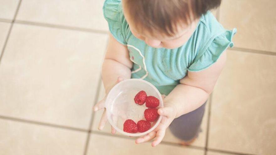 La nueva moda de la comida infantil: mejor sólidos que purés