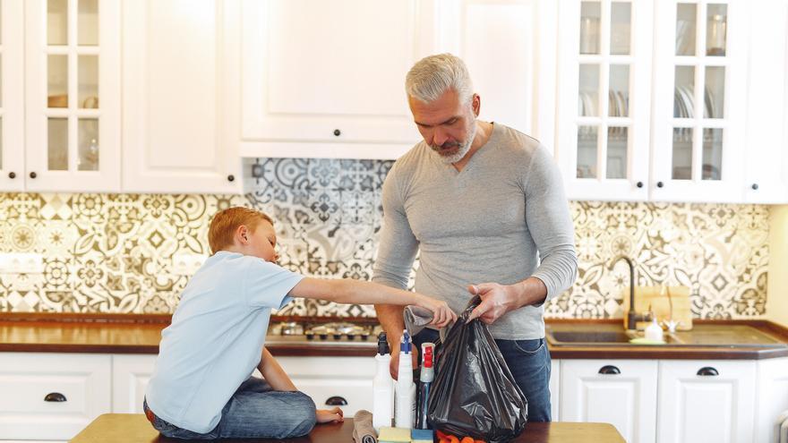 La piedra que triunfa entre los expertos en limpieza y con la que dejarás reluciente la cocina y las ventanas
