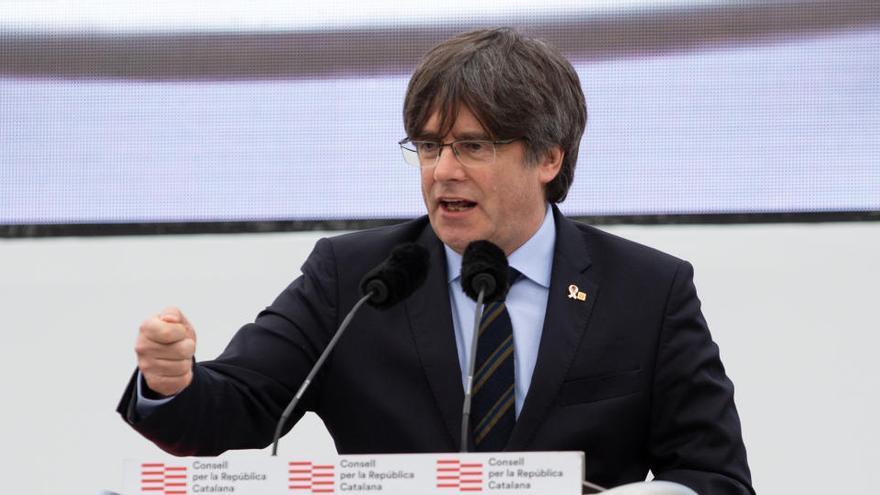 Puigdemont y los presos de JxCat abandonan el PDeCat