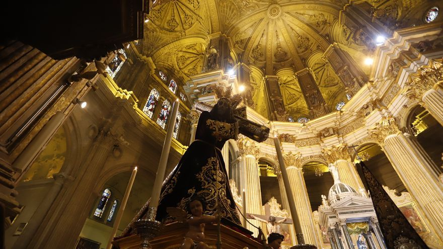 Momento de la bendición de Jesús El Rico en la Catedral