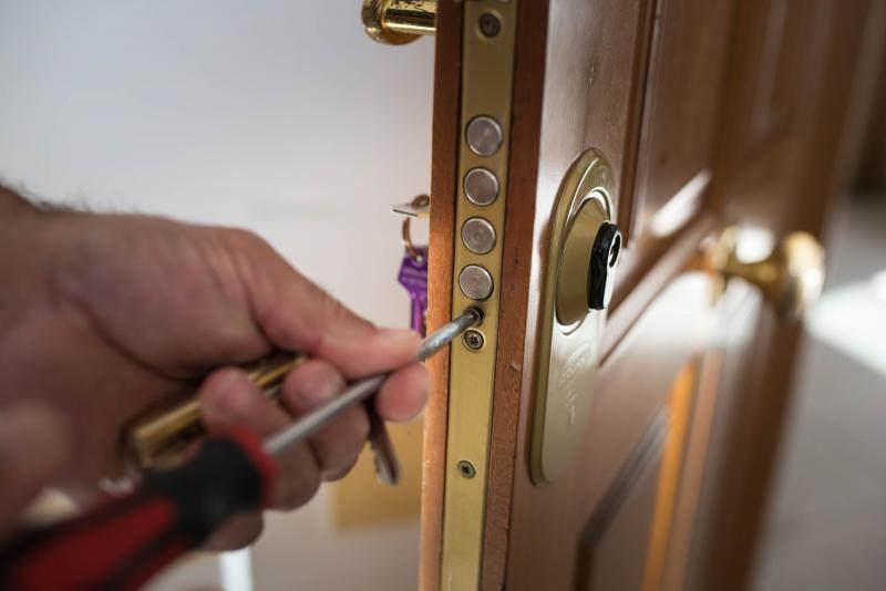 Desahucio de una familia en Chamberí
