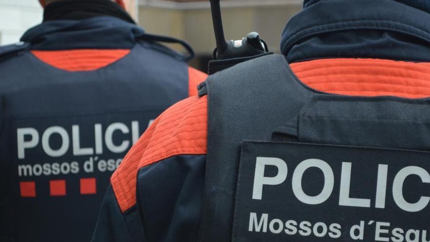 Detingut un jove de 20 anys per un atac homòfob i intent de robatori violent
