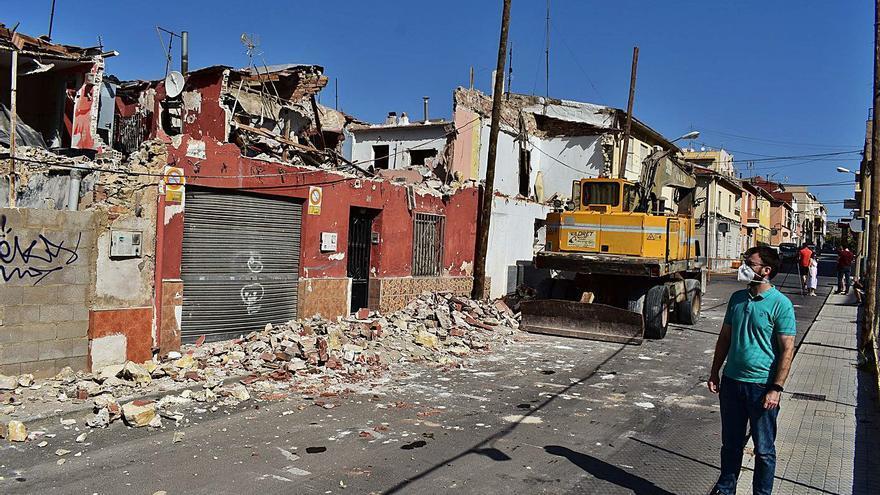 Petrer retoma la compra y derribo de casas marginales en la calle Andalucía