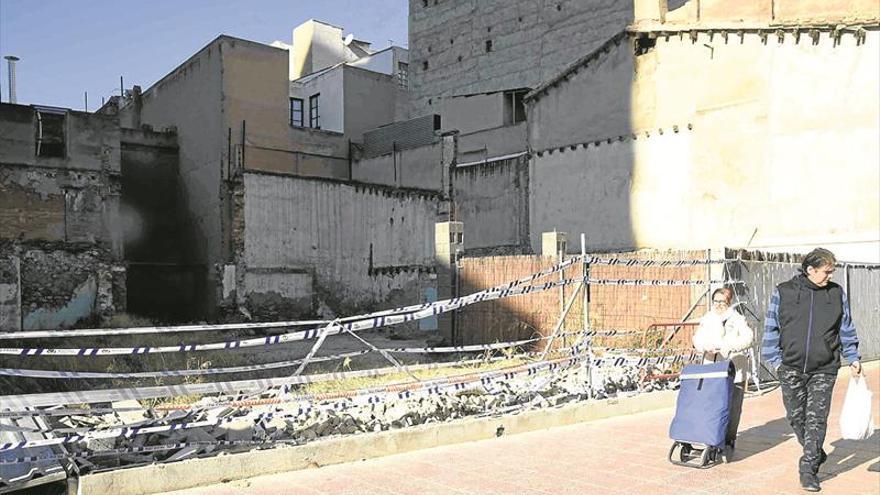 Piden revisar todo el perímetro del muro caído en Castellón