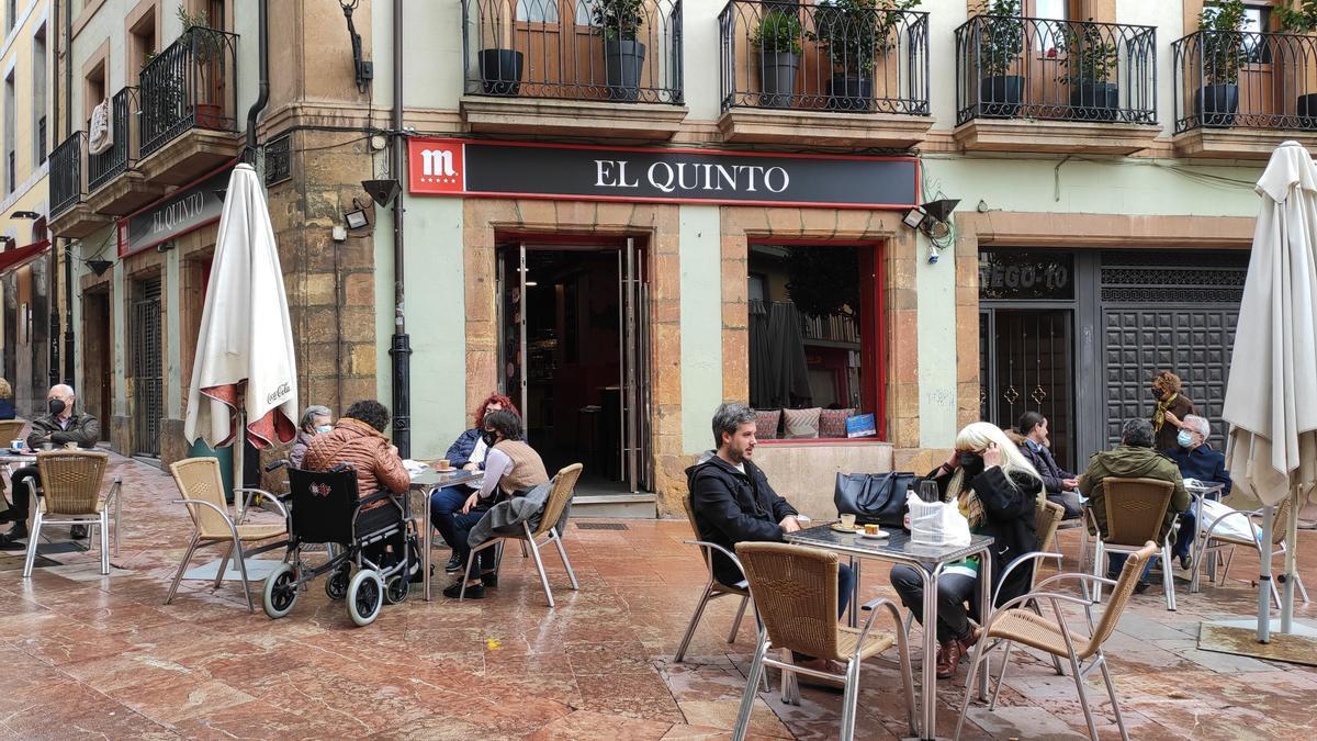 La terraza de un restaurante en Asturias