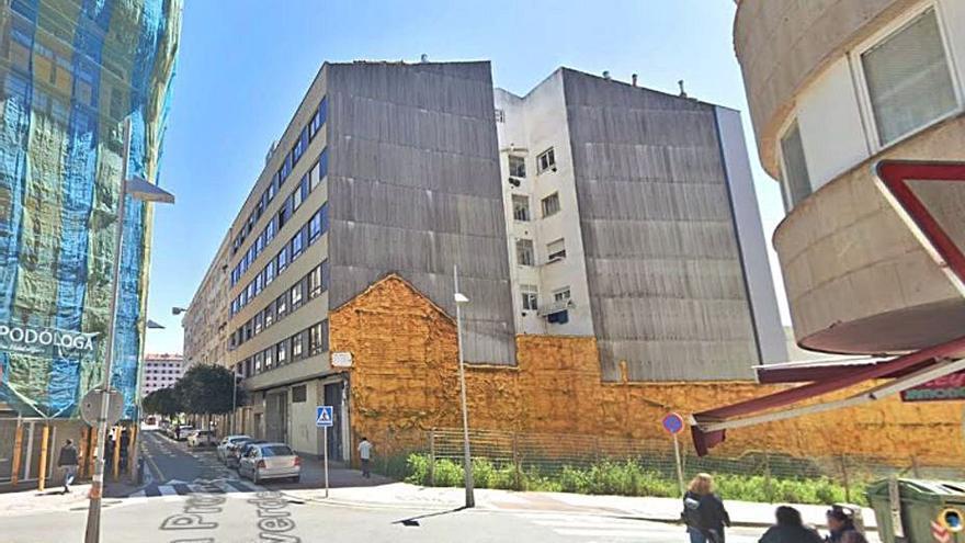 Urbanismo licita un edificio que tapará una medianera en Filgueira Valverde