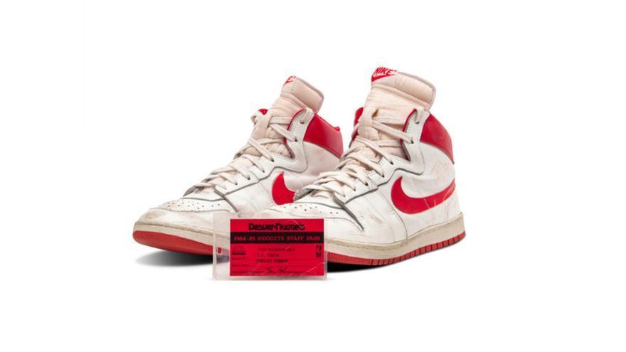 Millonada récord por unas zapatillas de Michael Jordan de 1984