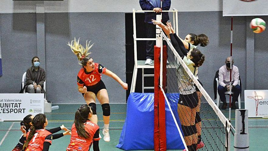 Derrota de los equipos del Xàtiva Voleibol en la liga