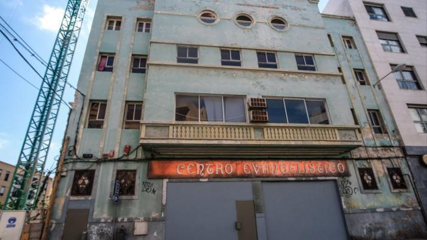 Urbanismo consultará a los vecinos  el uso que se dará al viejo cine Guanarteme