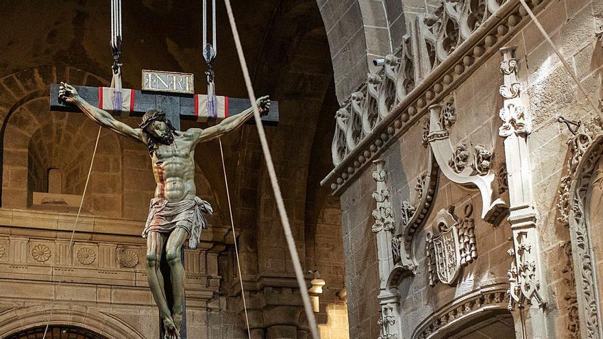 El Cristo de las Injurias de la Semana Santa de Zamora, en su mesa