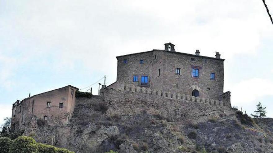La nova vida del castell d'Enfesta de la Molsosa després d'estar quasi en ruïnes