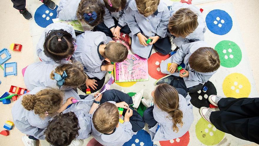 """""""En King's College Alicante, los niños disfrutan cada día viniendo al colegio, como siempre lo han hecho"""""""