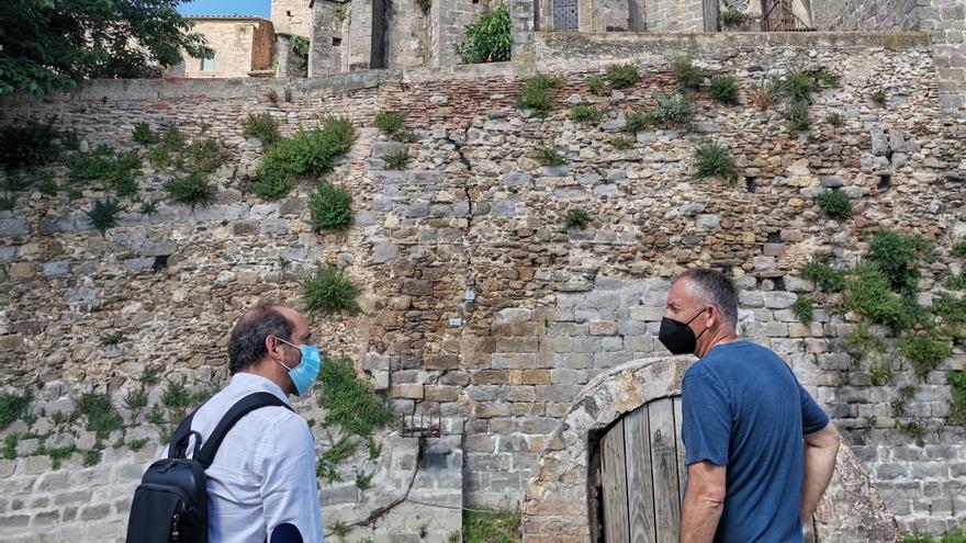 Crit d'alerta per la Basílica de Castelló d'Empúries i la muralla