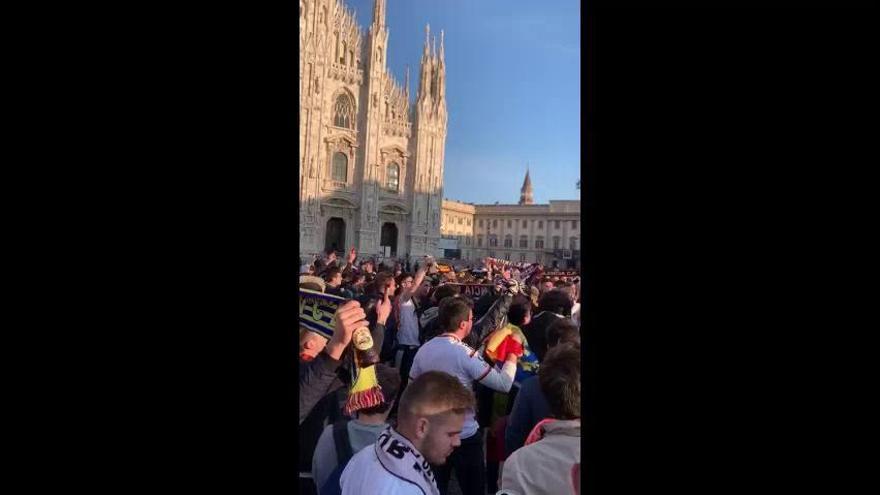 El valencianismo toma la plaza del Duomo en Milán
