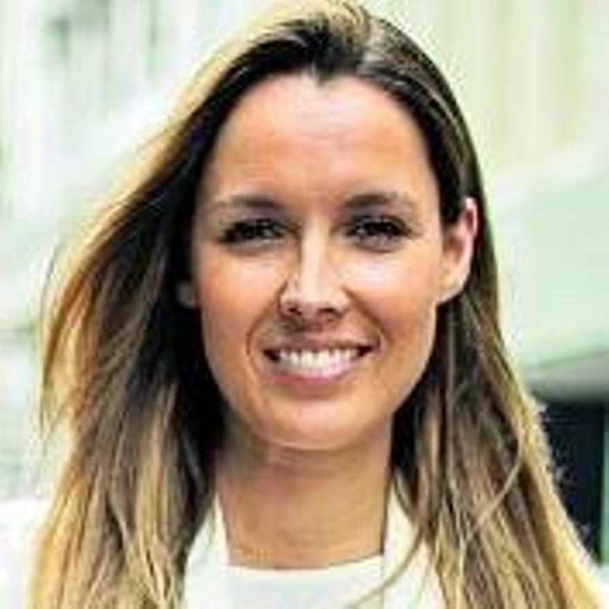 María Fernández.
