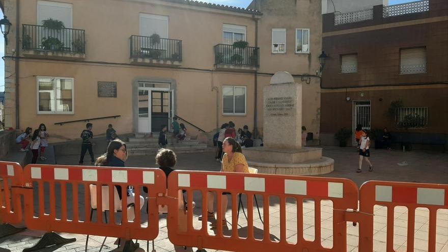 Un colegio de Castelló utiliza el consistorio como aulario por el retraso de los barracones