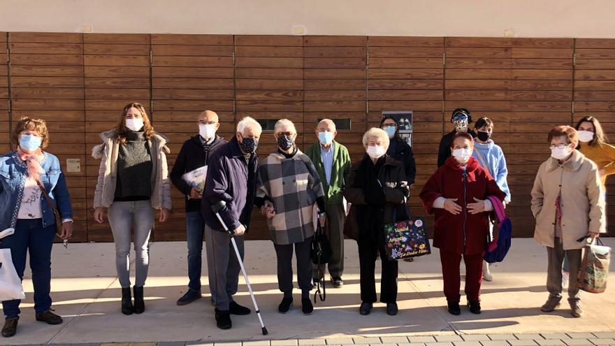 La asociación de alzhéimer de El Campello cierra y acusa al Ayuntamiento de no ayudarla