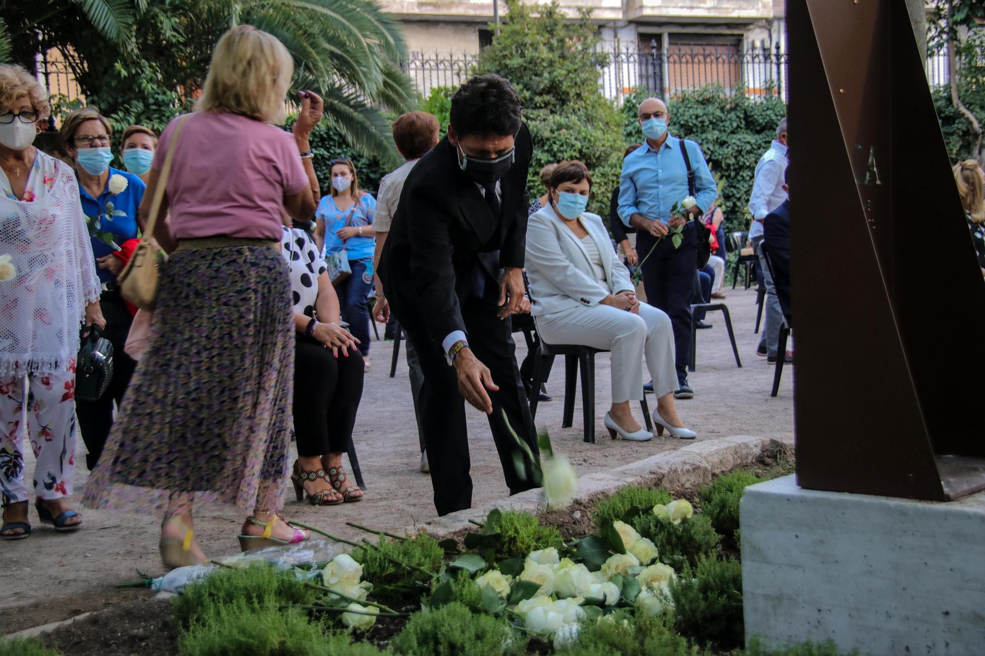 Alcoy homenajea a los 81 fallecidos a causa de la Covid 19