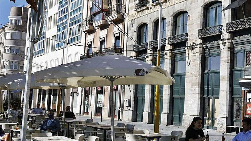Gijón permitirá a los bares de ocio nocturno abrir de día