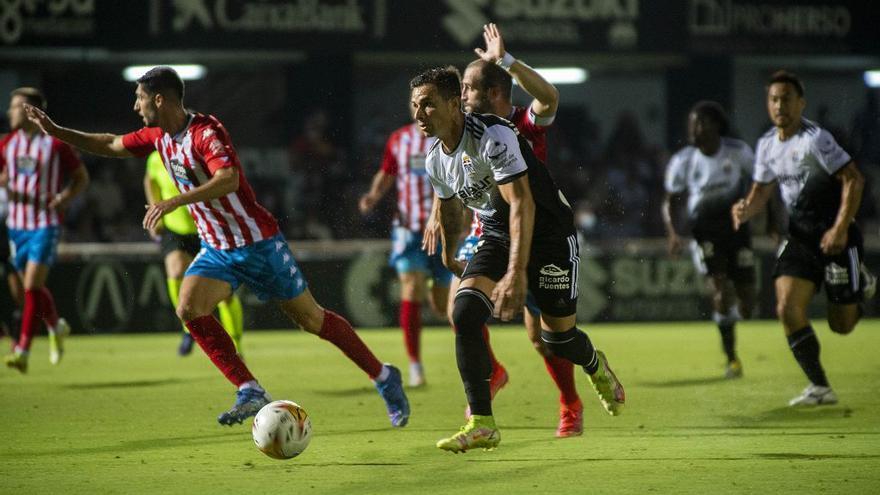 El FC Cartagena gana la batalla ante el Lugo (2-1)