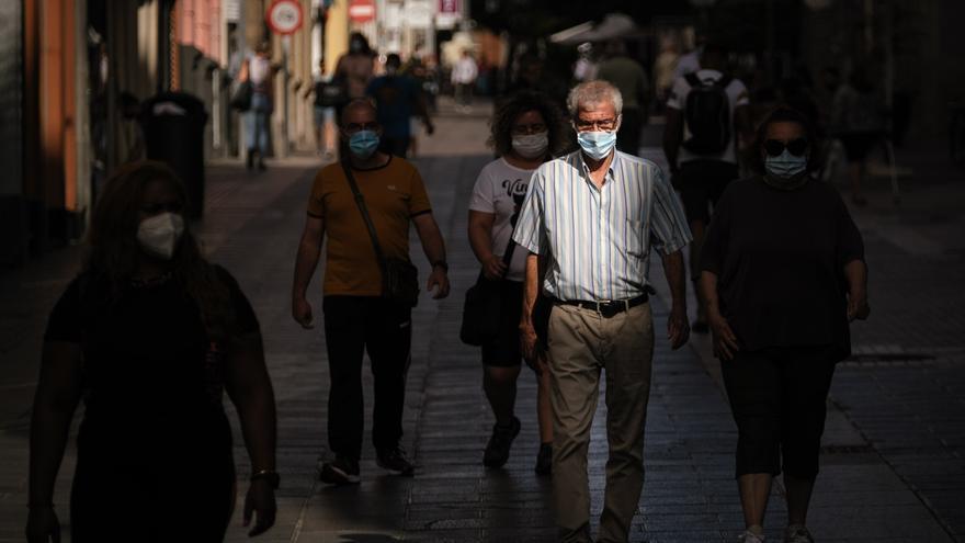 Tenerife suma 123 de los 159 nuevos casos de la Covid en Canarias este jueves