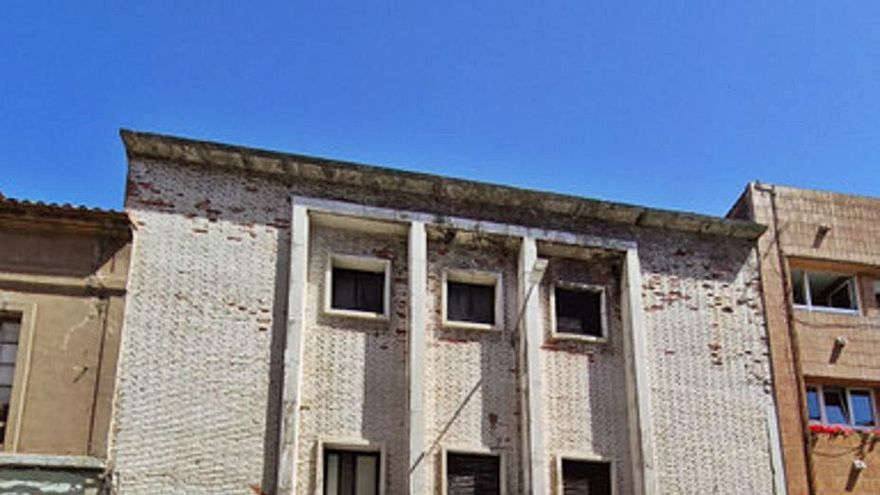 El PSOE prevé dedicar el remanente a recuperar el antiguo Teatro Carmen de Luanco