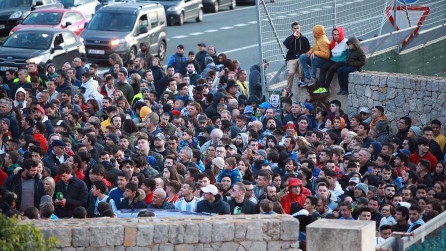 Hunderte Fans wollen Leo Messi auf Mallorca sehen