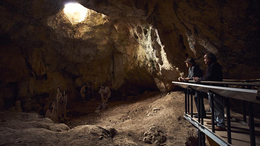 La Cova de l'Or de Beniarrés, una puerta al Neolítico