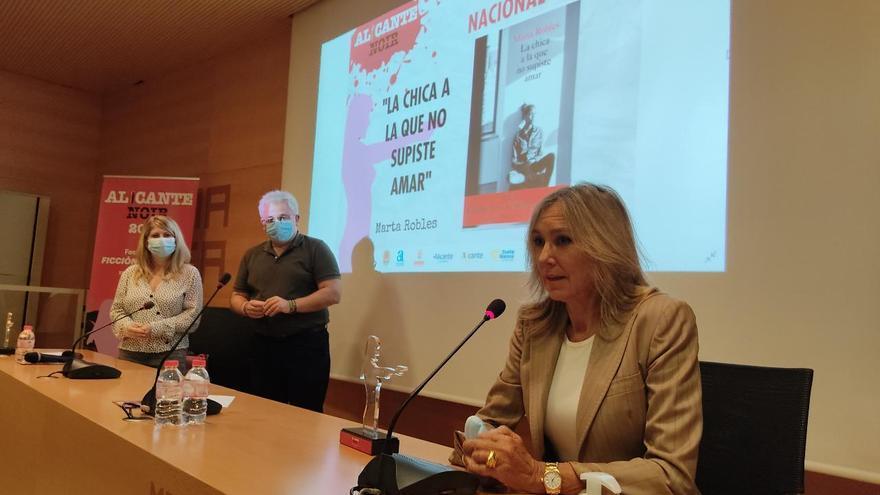 Marta Robles y Joël Dicker, premiados en Alicante Noir