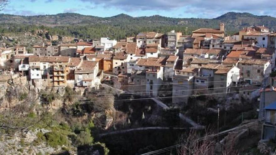 El padrón cae en 15 de los 19 pueblos  de Castelló con menos de 100 habitantes