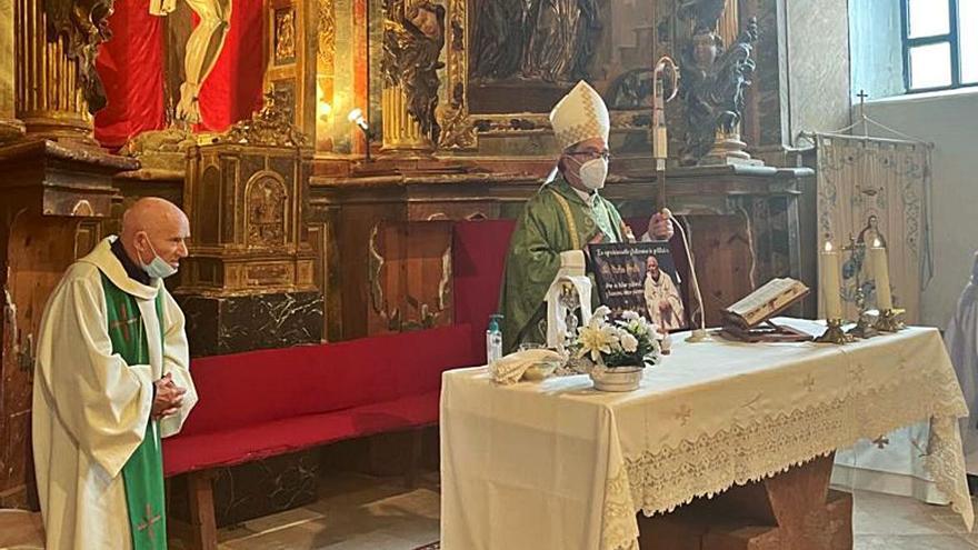 Gallegos del Pan y Benegiles despiden a su párroco, Carlos Prieto