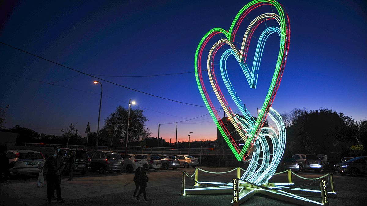 Corazón luminoso instalado en Galicia en la Navidad 2020