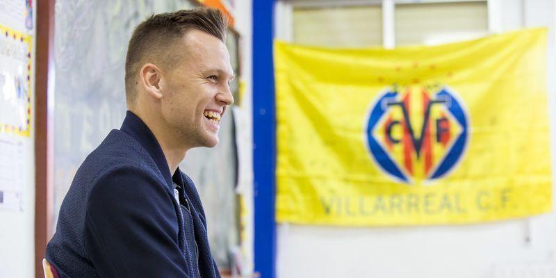 Cheryshev vuelve a las aulas en el CEIP Carlos Celma de Castellón