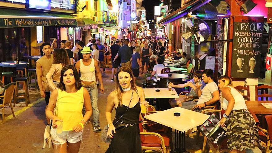 El West End abrirá con las mismas condiciones que el resto de bares de copas de la isla