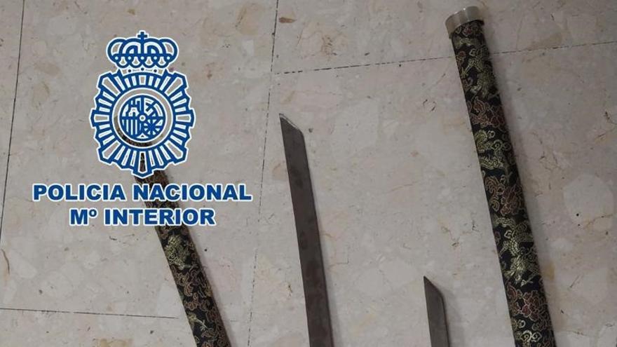 Detenido en Tenerife por amenazar a un vecino con una katana