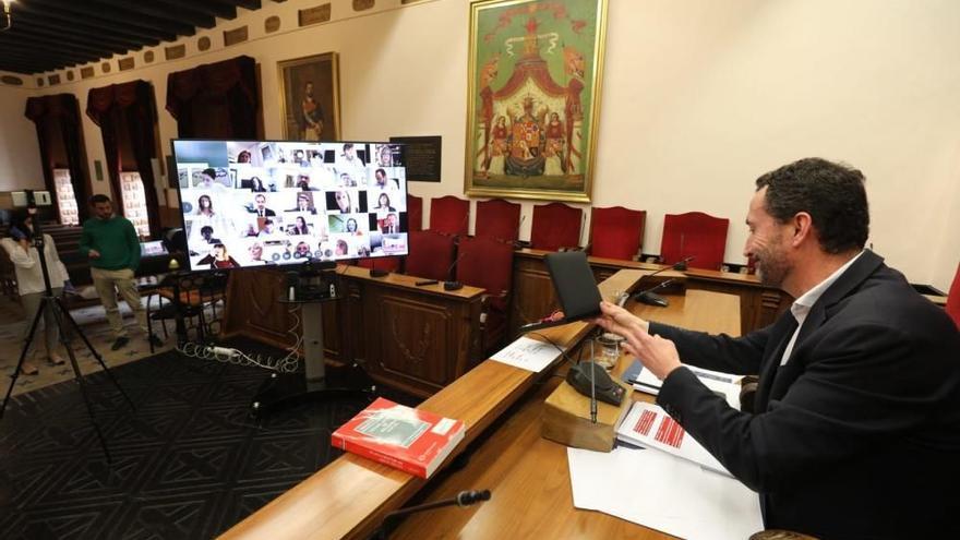 El Ayuntamiento de Elche vuelve a los plenos telemáticos