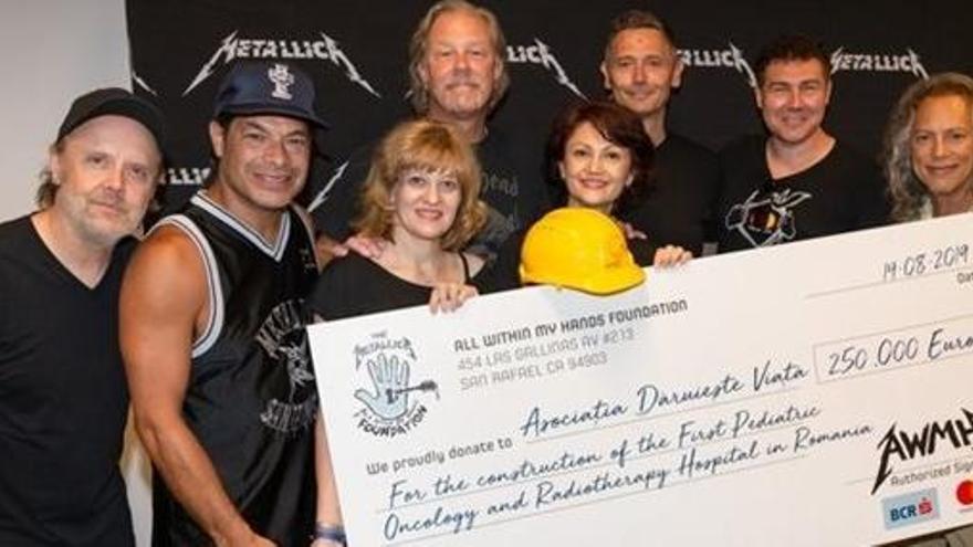 Metallica dona 250.000 euros para construir un hospital en Rumanía