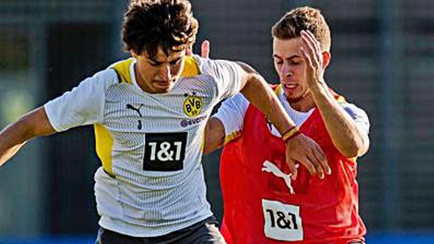 Guille Bueno, un mes en blanco a su llegada a Dortmund