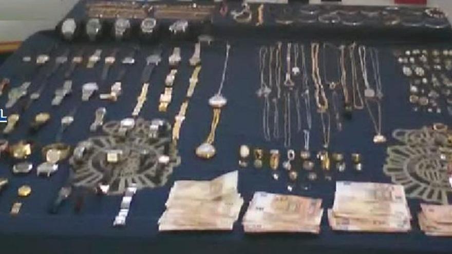 La Policía Nacional detiene en Marbella a tres falsos técnicos de la luz
