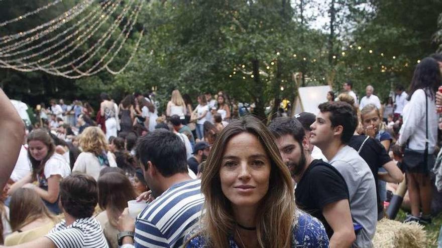 Aída Artiles, modelo y maestra del yoga, se enamora de Salinas