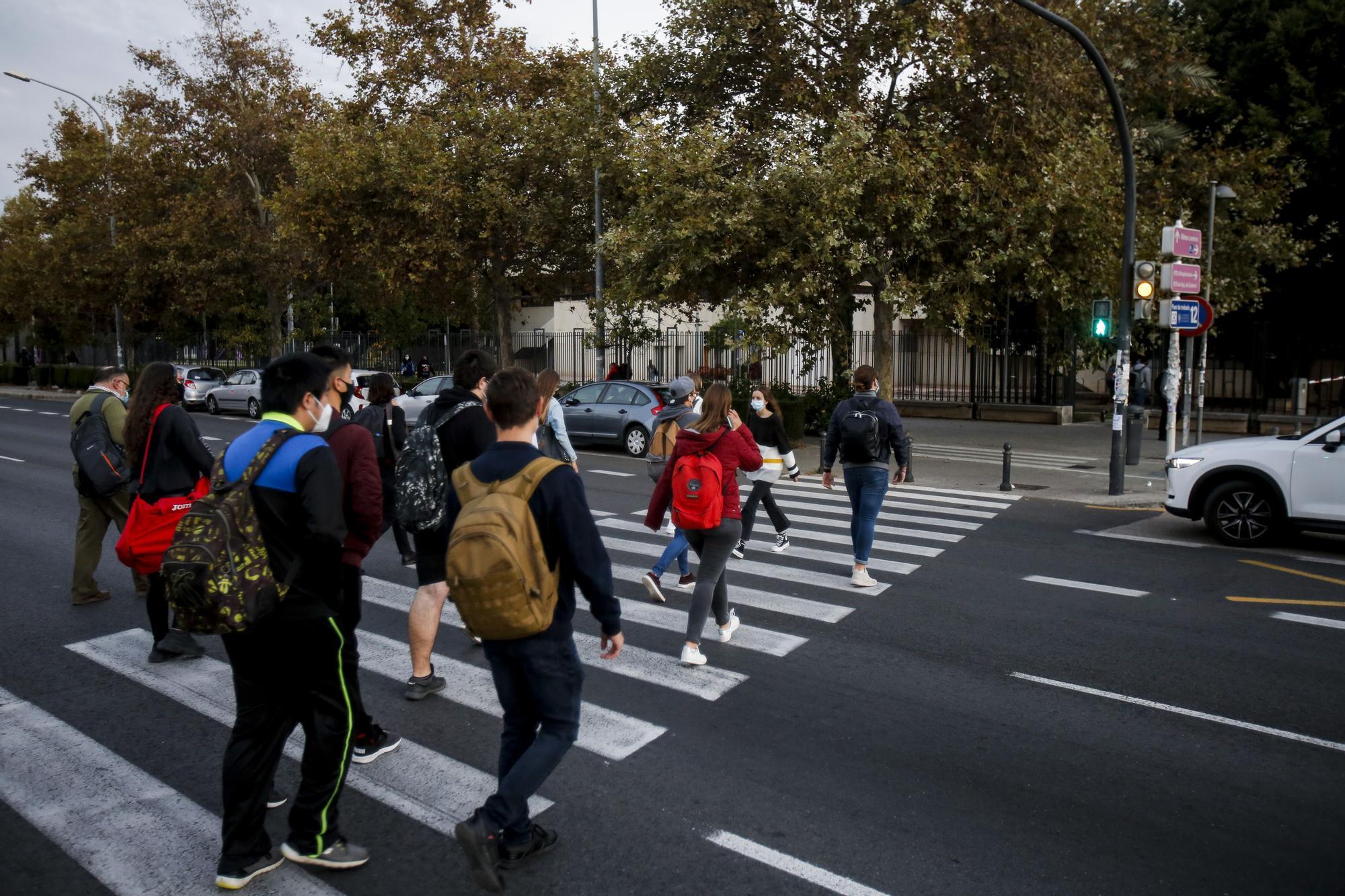 Los estudiantes de la UPV vuelven al campus de Vera tras el brote en el Galileo