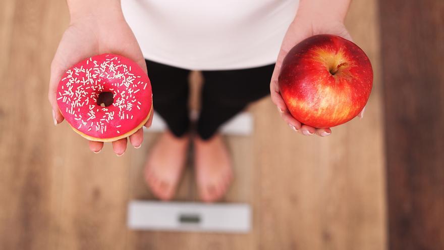 Desvelan la lista de ocho alimentos que no debes ni probar si quieres perder peso y adelgazar