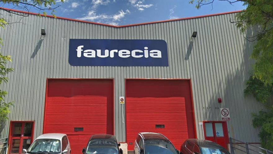 Els treballadors de Faurecia es plantegen convocar una vaga indefinida